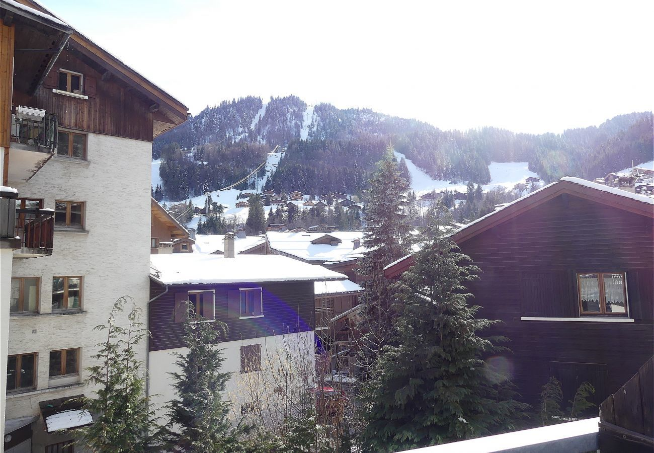 Apartment in La Clusaz - Gentianes 3 - Apartment for 5 people 3* village center, near ski slope