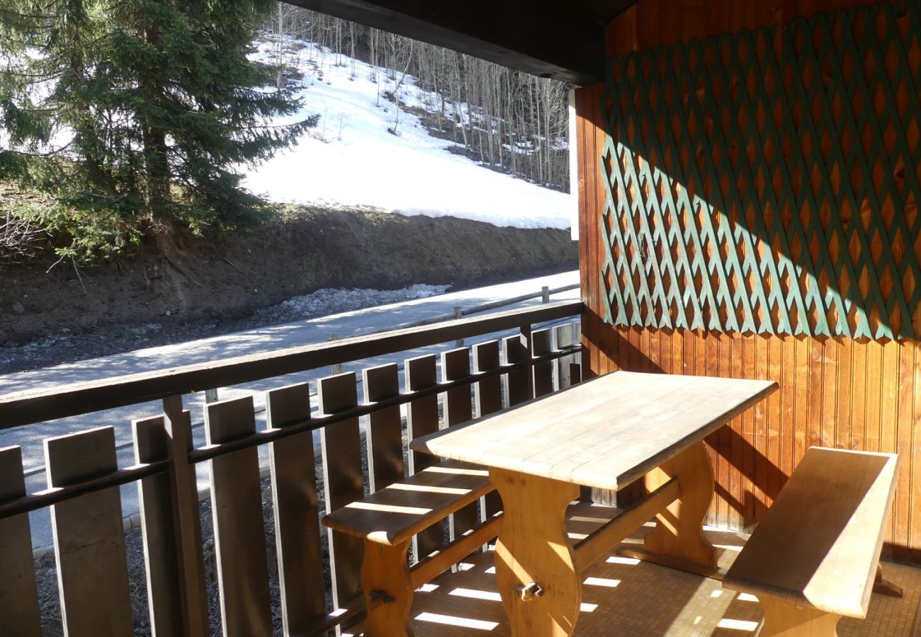 Apartment in La Clusaz - Belmont 26 - Apartment for 8 people 2* in the village