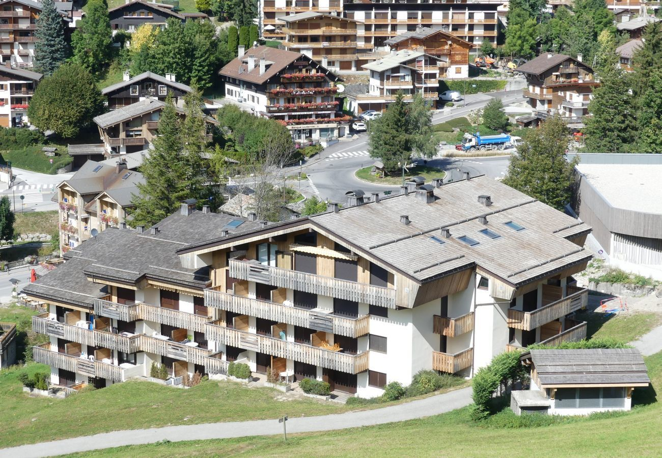 Studio in La Clusaz - Parnasse 203 -  Apartment for 4 people 3* on the ski slope, in the village