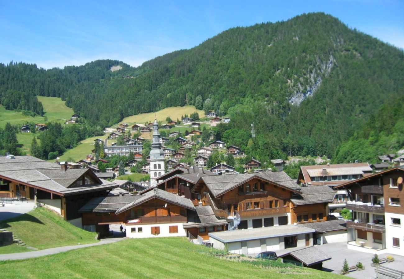 Studio in La Clusaz - Parnasse 203 -  Apartment for 4 people 3* on the ski slope, in the village