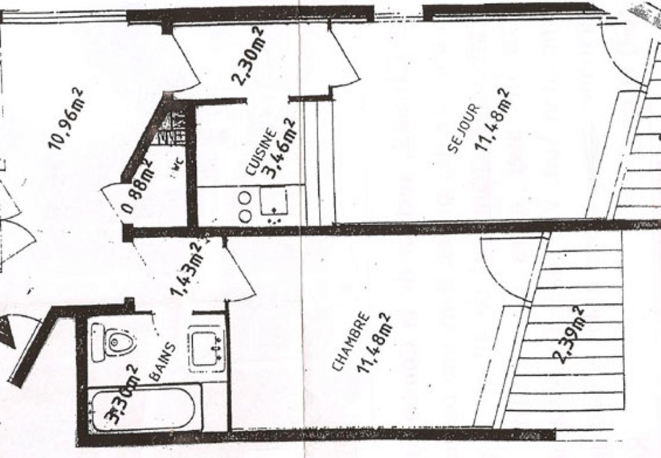 Apartment in La Clusaz - Aravis 1500-11 - apartment for 6 people 2* ski-in ski-out