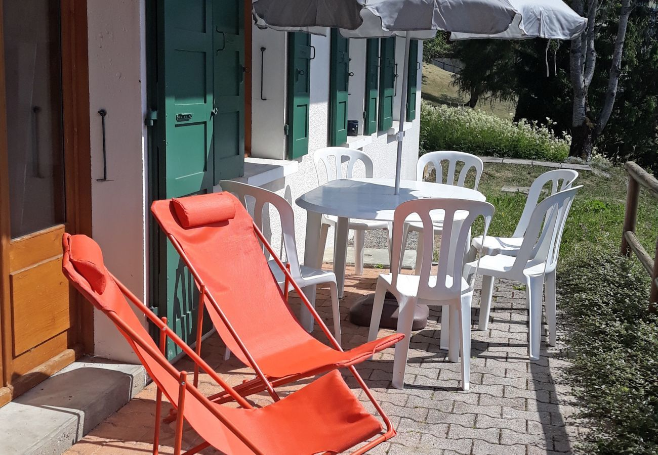 Apartment in La Clusaz - Rose de Noel - Appartement garden level for 6 people 2*