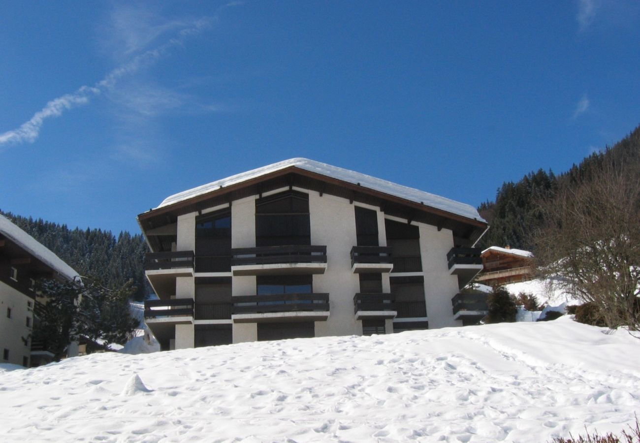 Apartment in La Clusaz - Sapaudia G - Apartment for 5 people 2*, ski on the feet, nice view