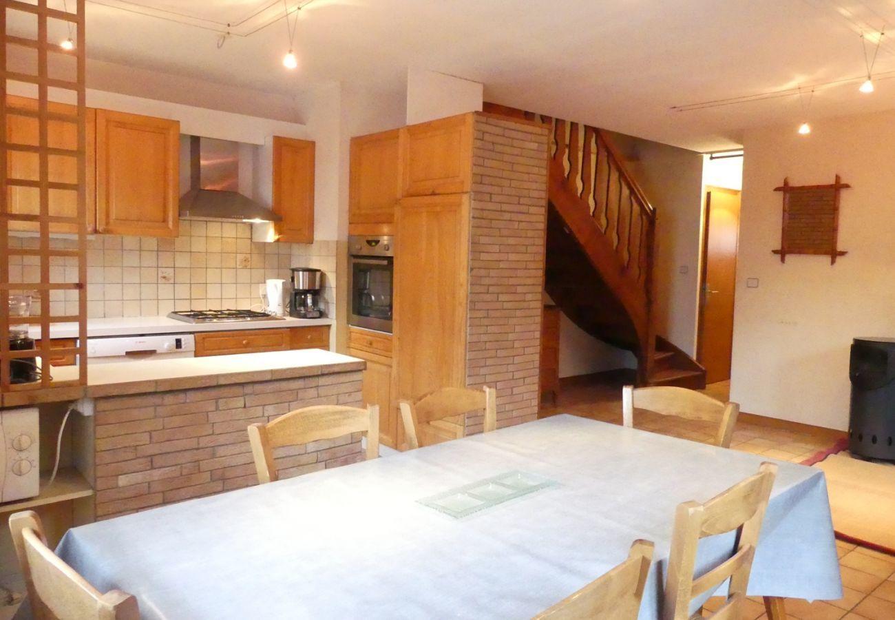 Chalet in La Clusaz - Chalet de LOURDES - Apartment for 8 people, 2* village center