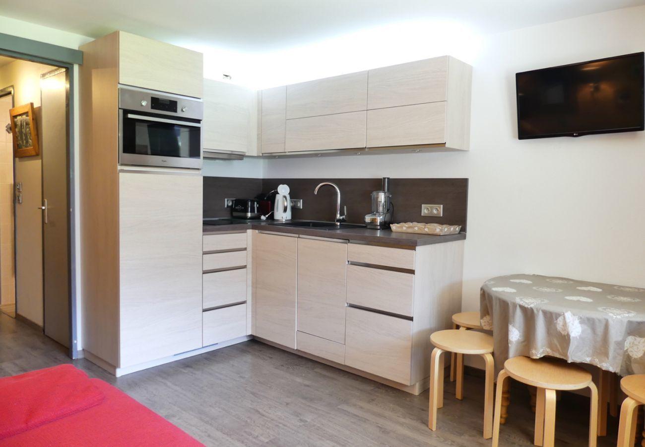 Studio in La Clusaz - Parnasse 201 - Apartment for 4 people 3* on the ski slope, in the village