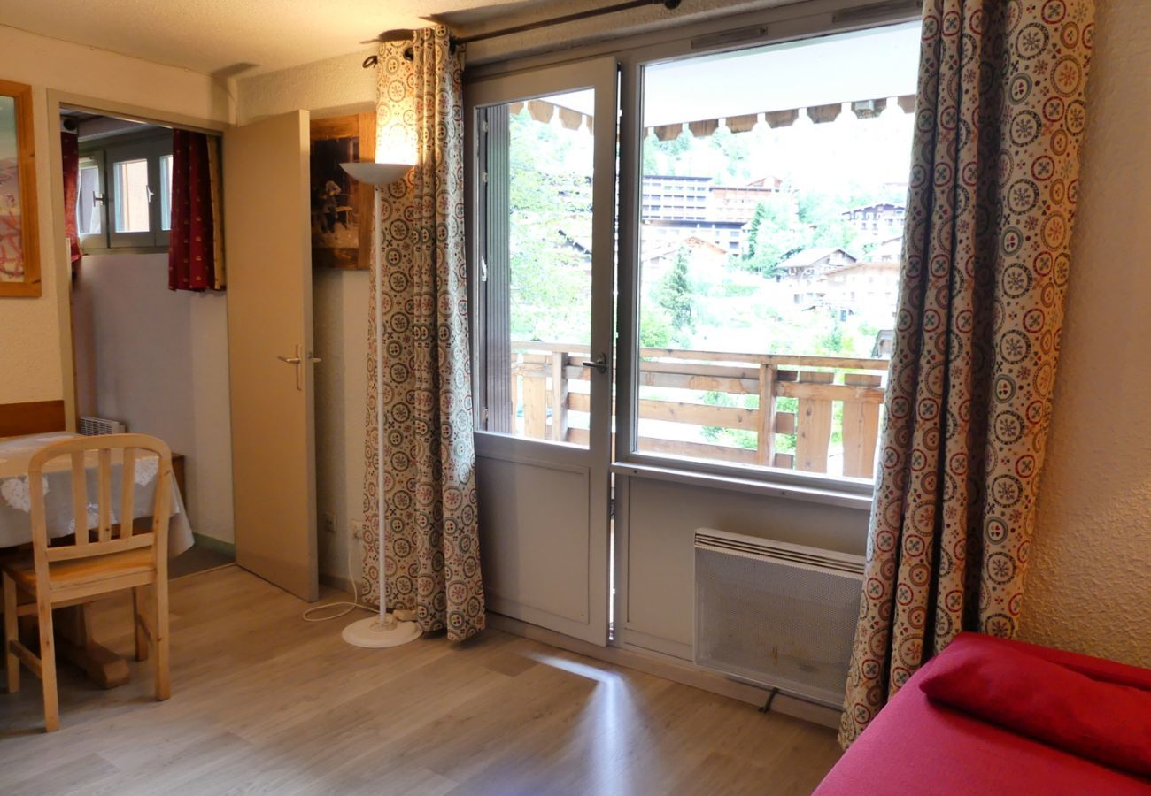 Apartment in La Clusaz - Parnasse 208 - Apartment for 4 people 3* on the ski slope, in the village