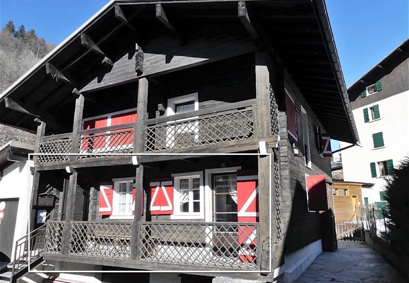 Chalet à La Clusaz - Cotterg Rez - Demi chalet 6 pers. 2* centre village