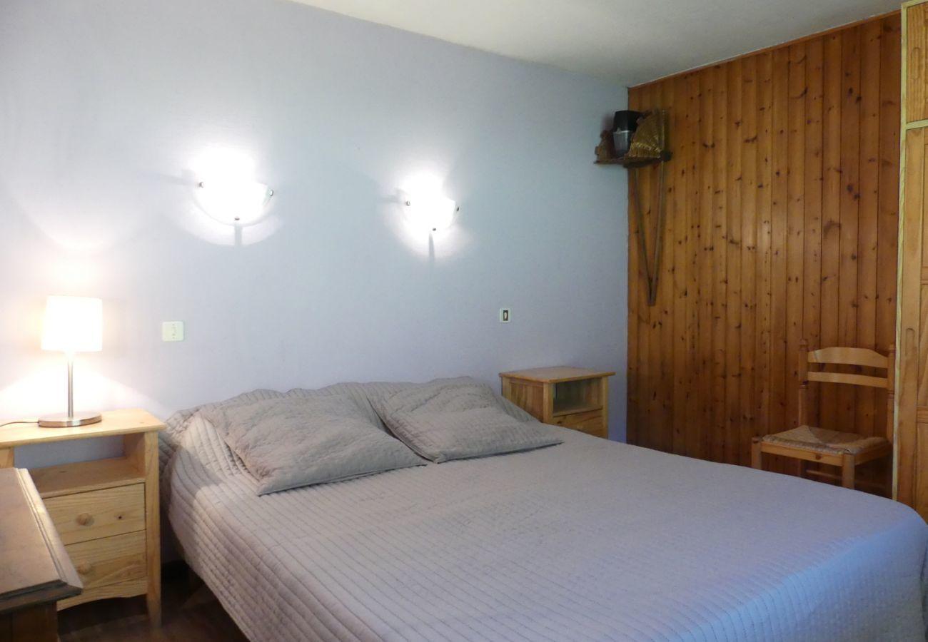 Chalet à La Clusaz - Ty menez 1 - Appartement dans chalet au rez 6 pers. 2*, skis aux pieds