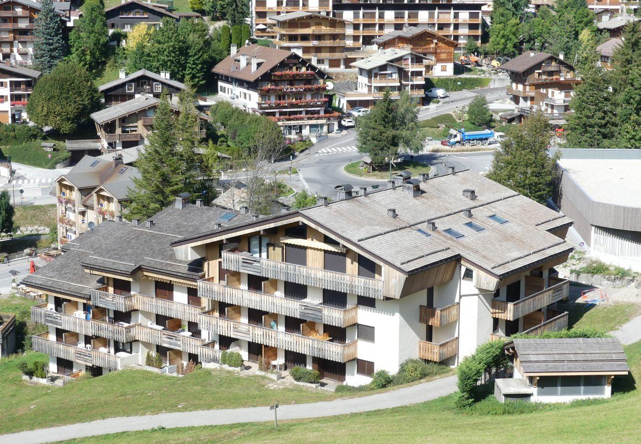 Appartement à La Clusaz - Parnasse 305 - Appartement 6 pers sur les pistes